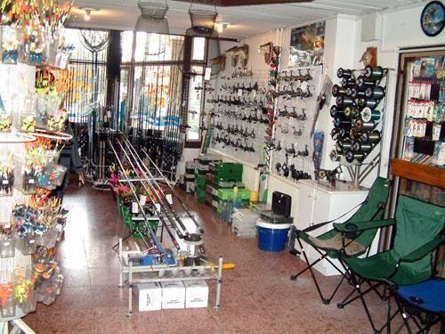 Vállalkozásunk 1997. december 1-jén indult egy kis bolttal