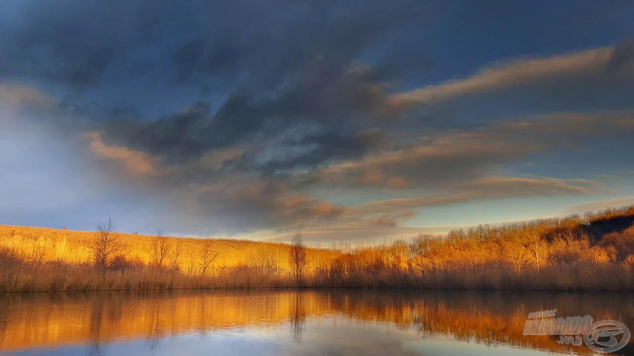 A Barina-tó impozáns környezetben fekszik, és az általam választott horgászállásról számtalan jó haltartó helyet lehet meghorgászni