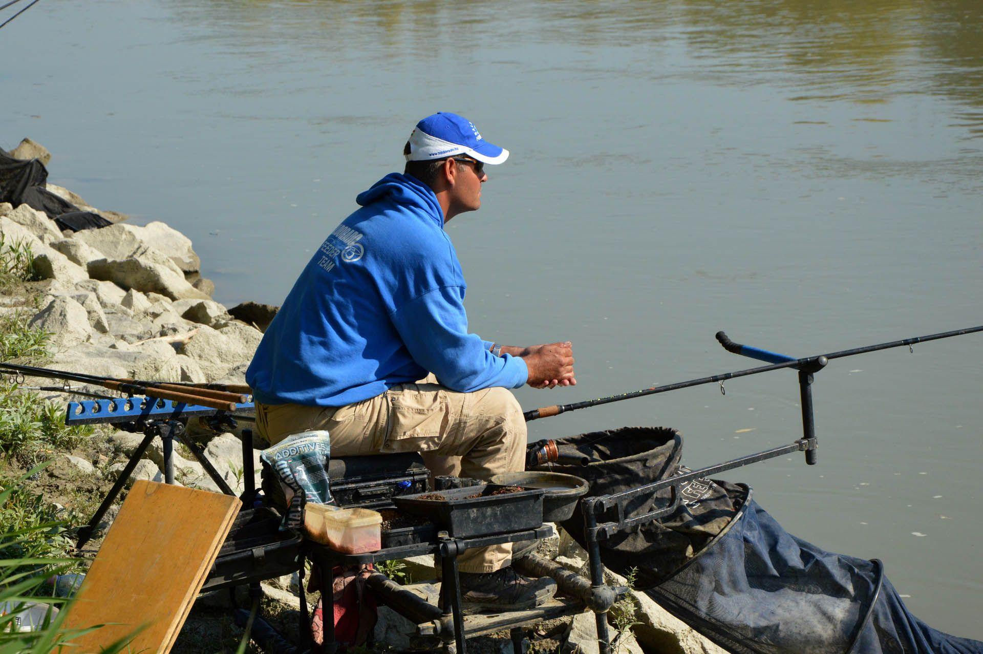 A versenyszerű folyóvízi peca egy nagyon aktív, nagy koncentrációt igénylő műfaj, ami nem éppen pihentető időtöltés