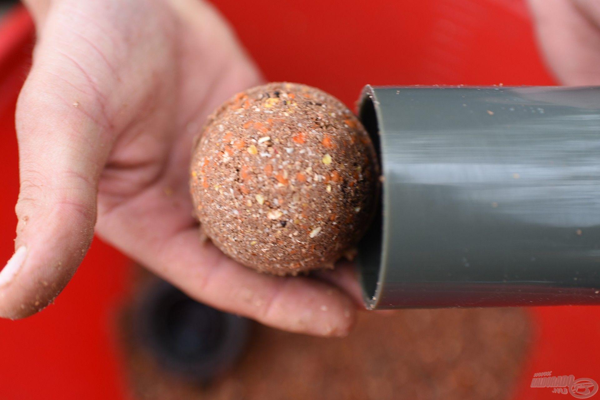 Precíz, tökéletesen gömbölyű, egyforma méretű és tömegű gombócok