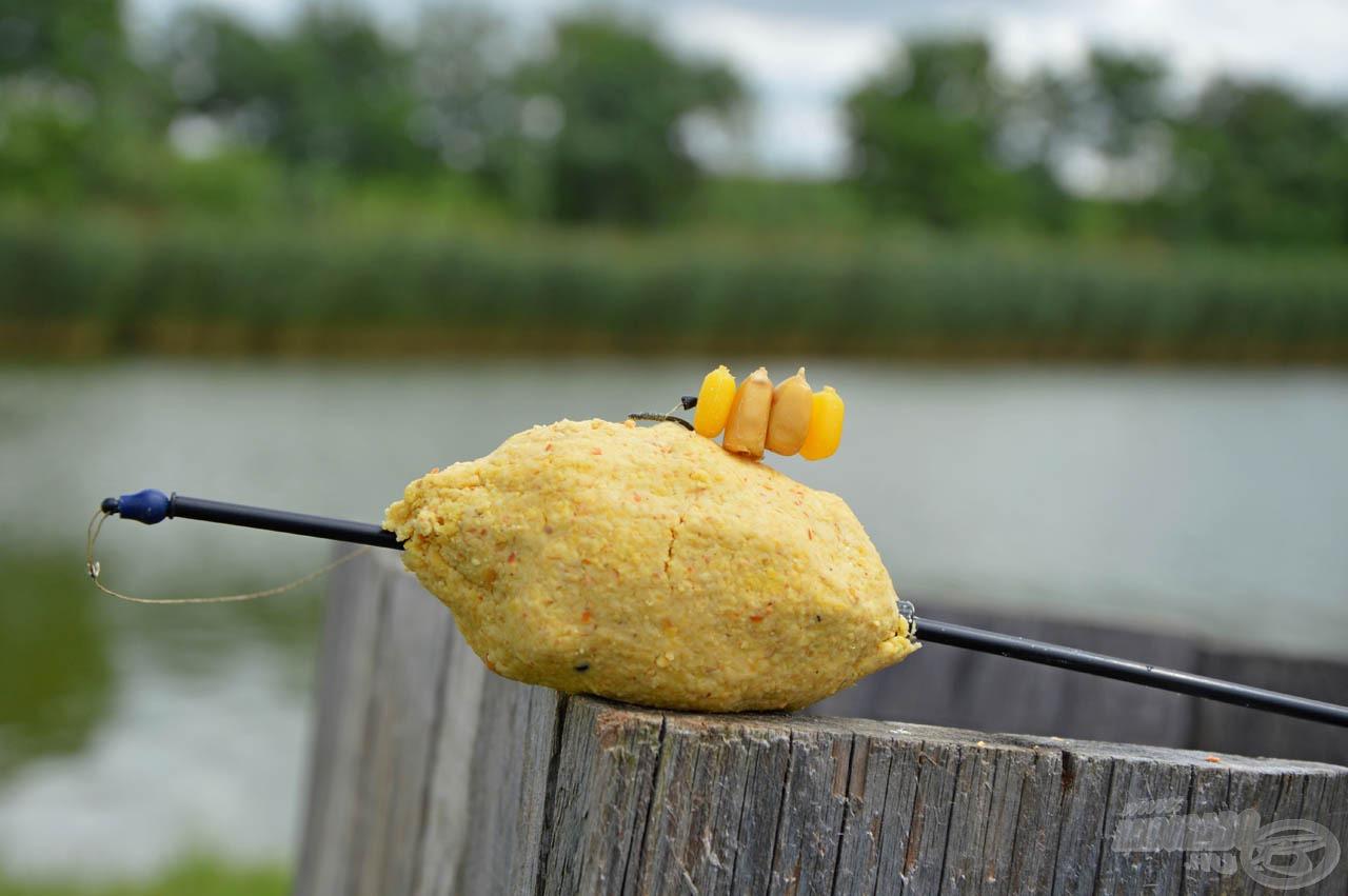 Kukoricafüzér két szem SpéciCornnal megspékelve