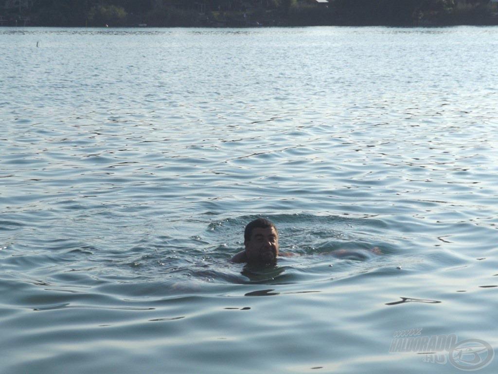 Ha már vízparti nyaralás és nyárvégi kánikula, akkor ki ne maradjon a mártózás a habokban