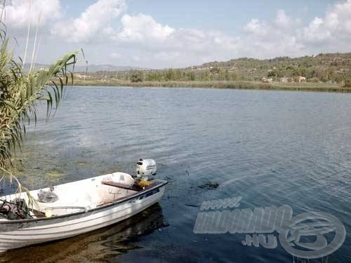 A túra első napjaiban egy új helyen próbálkoztunk meg a horgászattal