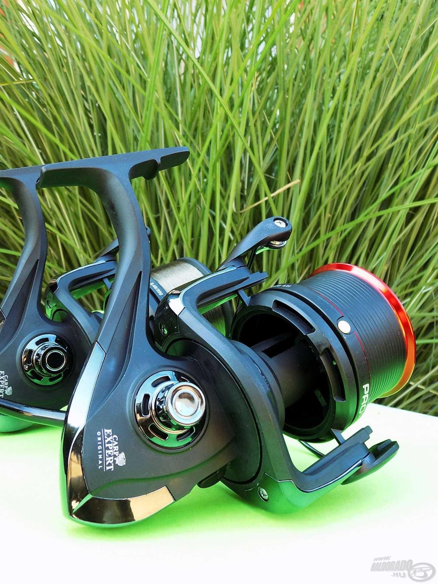 Ikertestvére, a Pro Distance 8000 extra sekély dobja jól passzol a vékony zsinóros, finomszerelékes horgászok igényeihez
