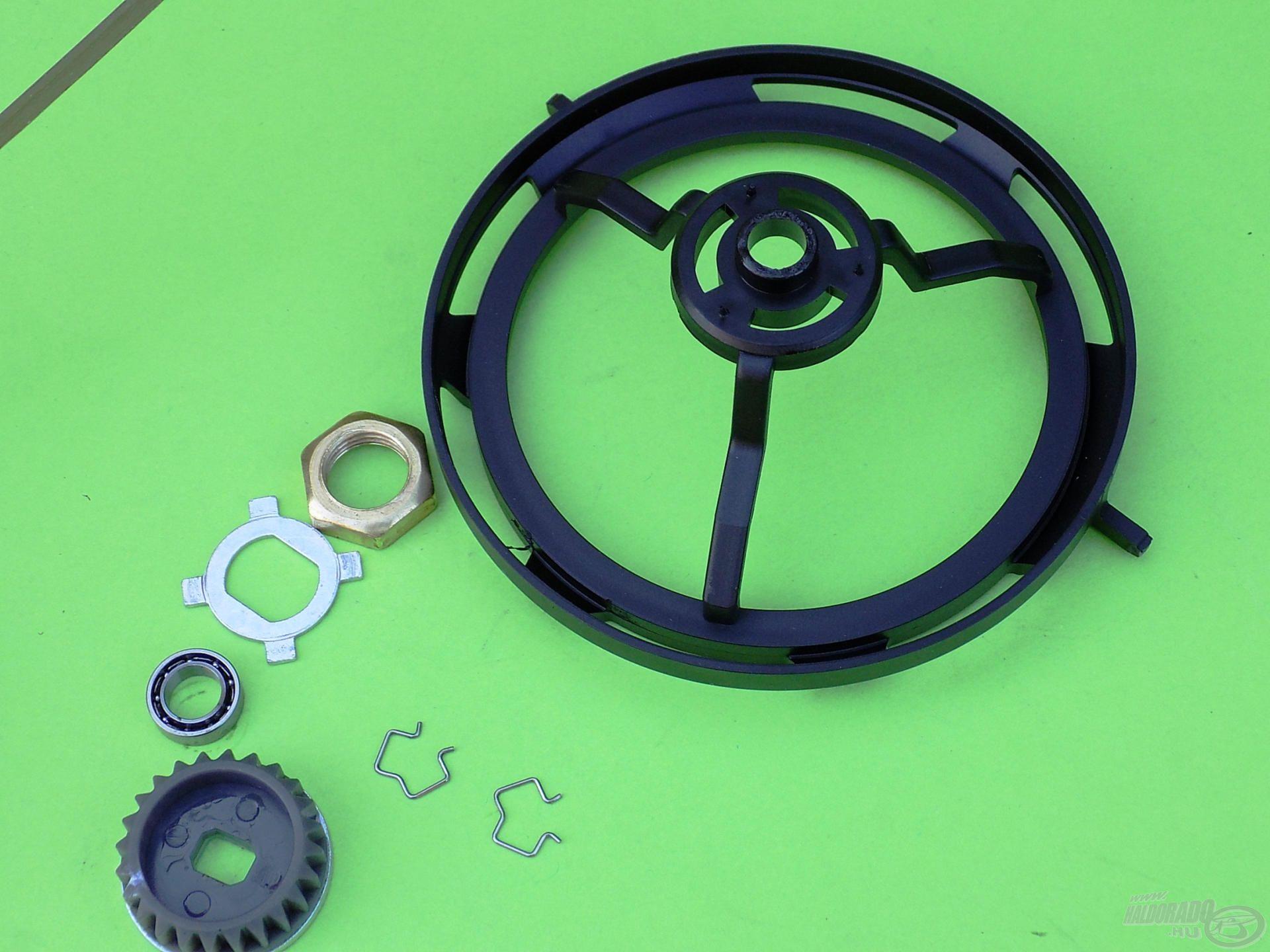 A zsinórvédő szoknya – mint a Banax Helicon 5600 NF esetében – szinkronban van a rotor forgásával…