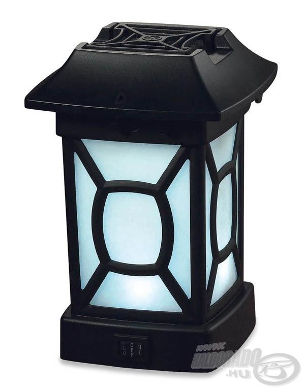 Elegáns kerti lámpa, mely magába fogadja a szúnyogriasztót