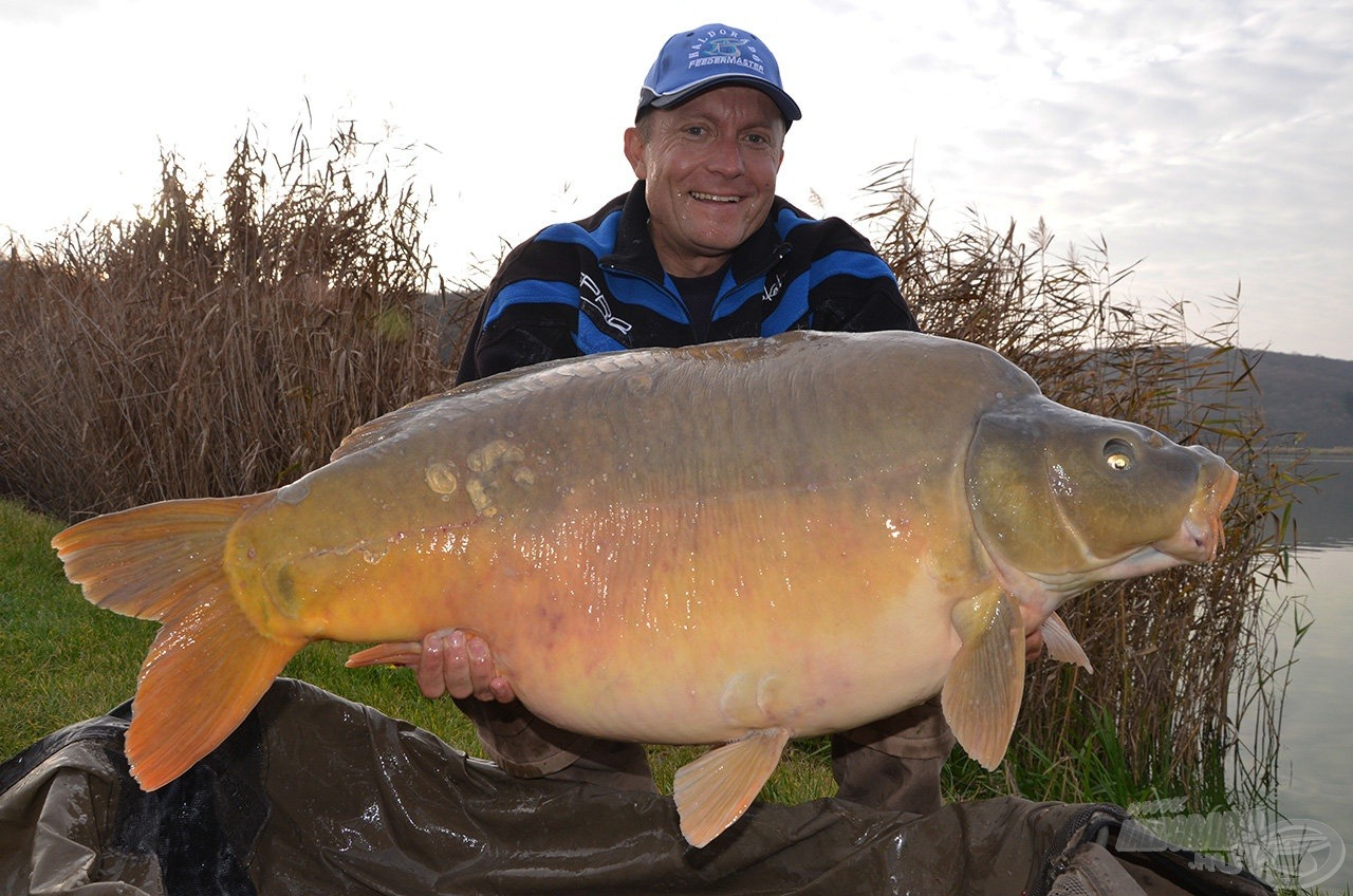 Gábor elő 20+-os hala, amely pontos súlya 21,2 kg