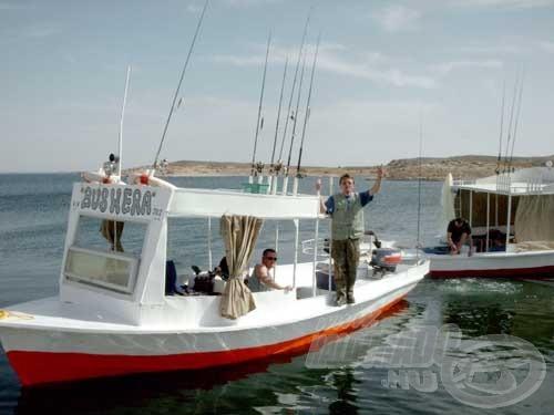 Közel egy hétig éltünk és horgásztunk ezeken a hajókon