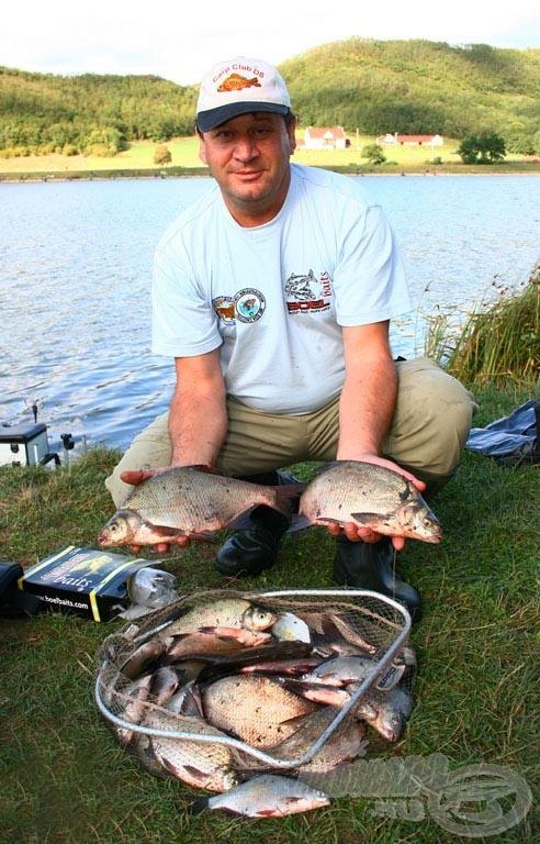 A nap során mindössze két horgásznak sikerült átlépnie a 20 kg-os határt keszegfogásban. 20.550 grammal nyerte szektorát Dobre Jaromír, amivel a második helyen végzett a keszegező napon