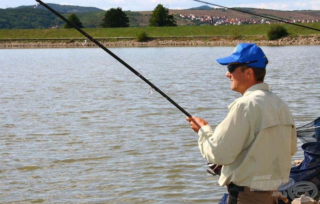 A 2009. év Feeder Szuperkupa ponty- és amurfogó napján a második helyen Döme Gábor végzett 53.760 grammos fogással, valamint nevéhez fűződik a verseny során legtöbb halat fogó eredmény is 70.600 grammal