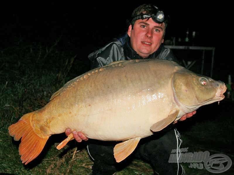 A túra legnagyobb hala, a 13,5 kilós tükörponty már az első éjszaka horogra akadt