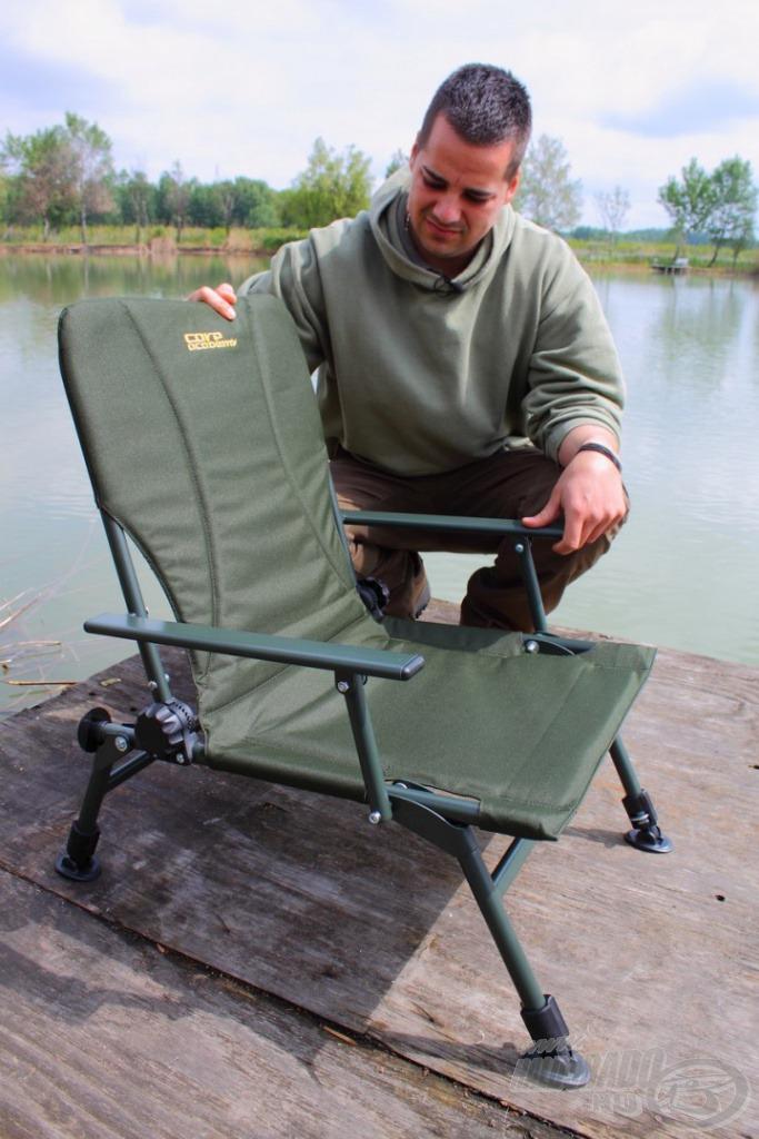 Mivel az ülőmagassága nem túl magas, akár csónakban is használható