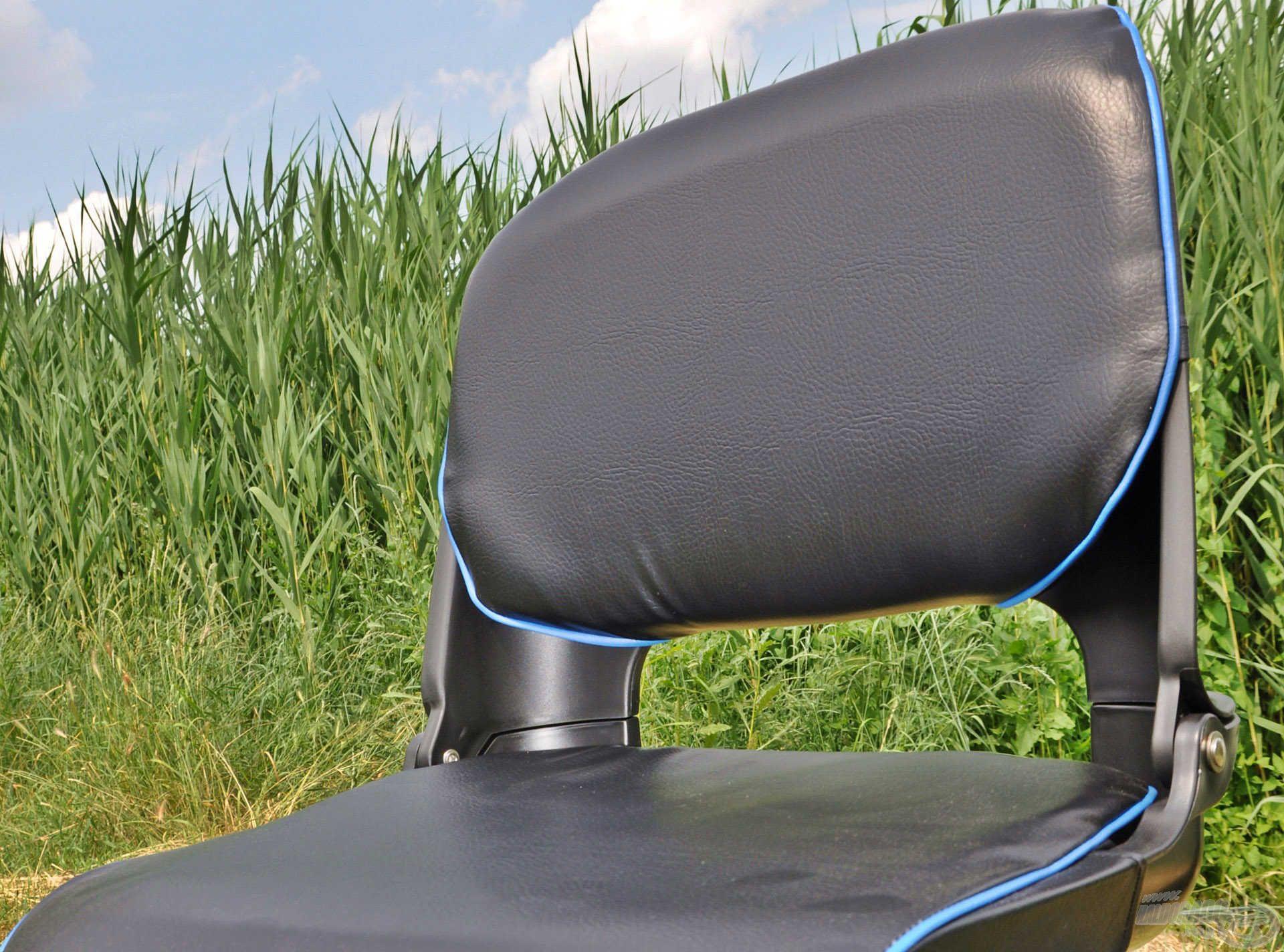 A puha, vízálló borítású ülőfelület…