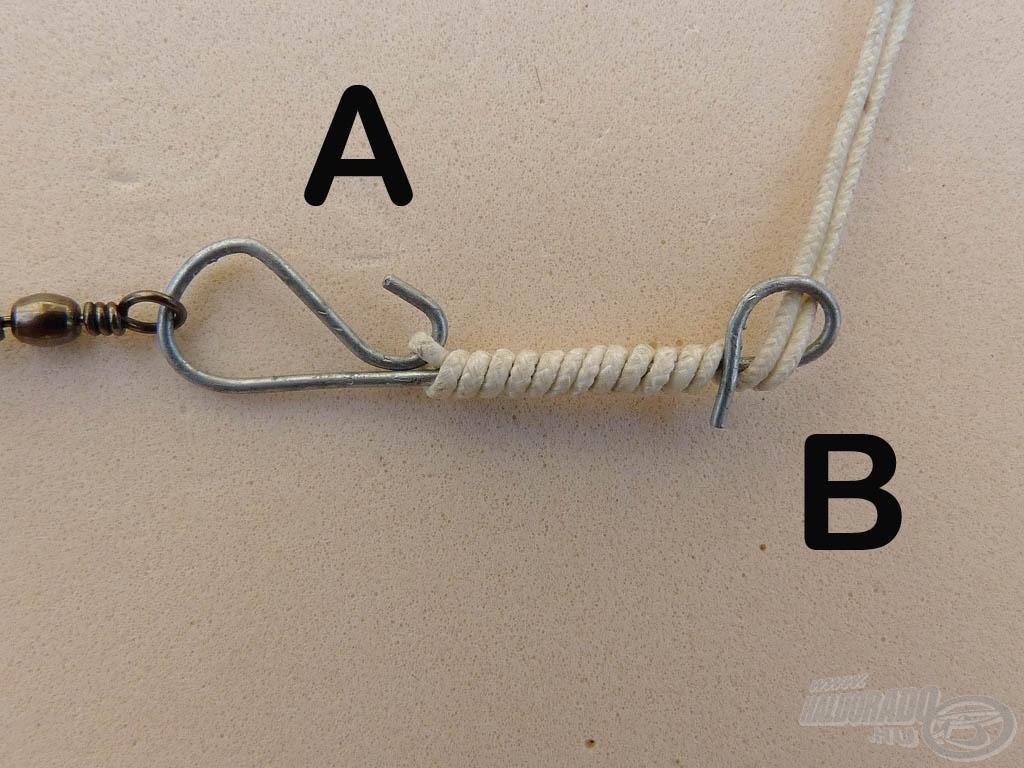 """… amíg el nem érjük a """"B"""" fület. A nem lezárt drótív alatt pattintsuk be a dupla szálat a """"B"""" fülbe"""