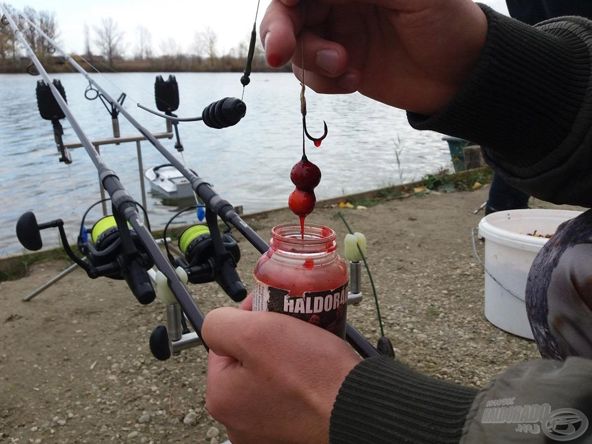 Készül a finomság a halak számára…