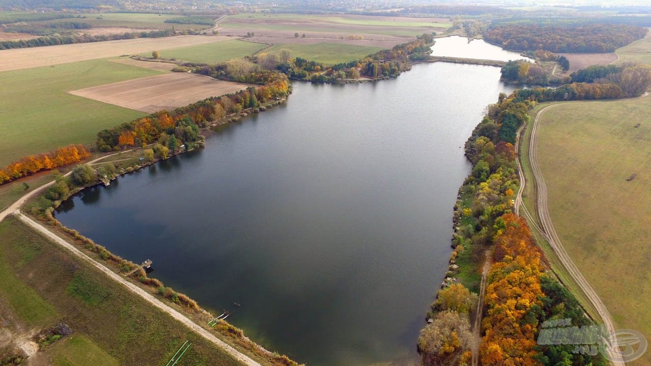 Madártávlatból a 26 hektáros víztározó