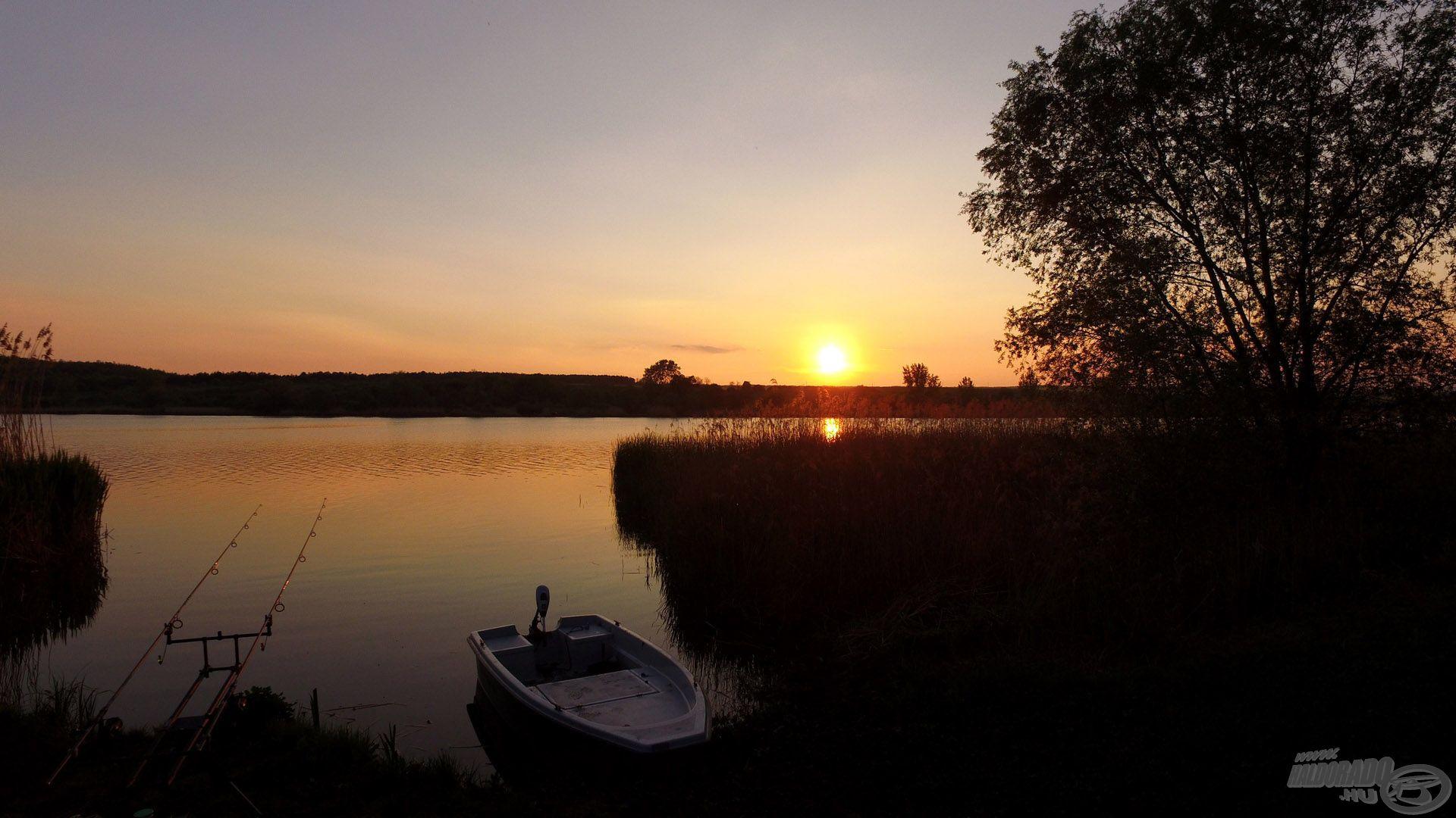 Palotási naplemente, így szeretjük mi ezt a nagy tavat!