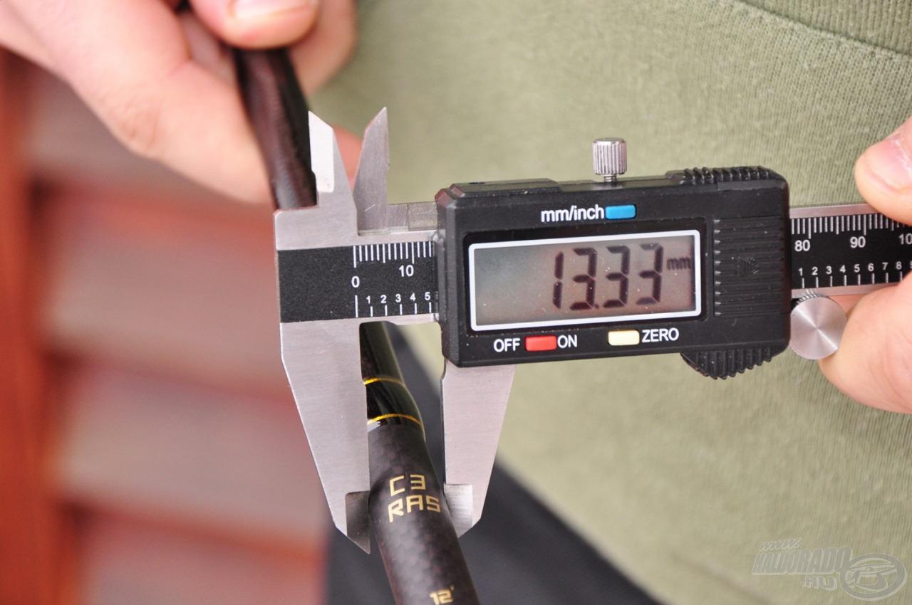 30T HM karbon alapanyag révén vékony, de erős botot sikerült gyártani