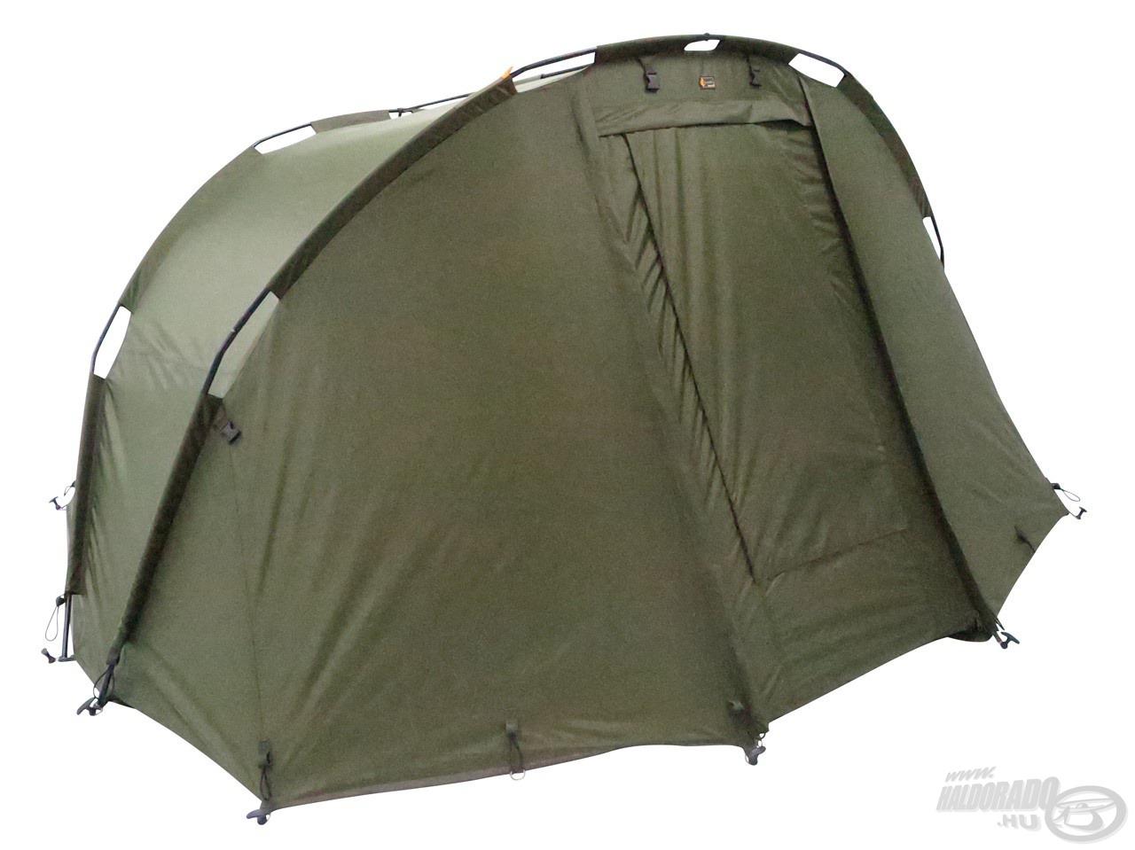 Ehhez a 2 személyes sátorhoz minden lényeges extrát mellékelt a gyártó: külső borítást, aljponyvát, sátorcöveket és hordtáskát is